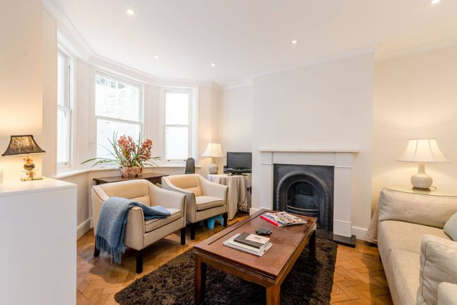 1 bed flat to rent in Airlie Gardens, Kensington
