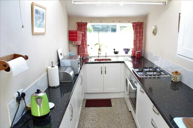 Fitted Kitchen of Brearley Lane, Brearley, Halifax HX2