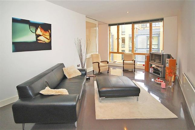 Thumbnail Flat to rent in Drysdale Street, London
