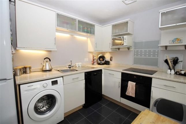 Kitchen of Broadlands Place, Pudsey LS28
