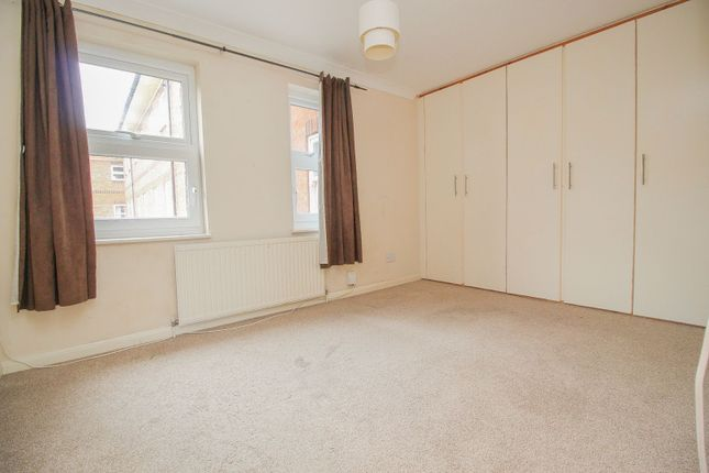 Master Bedroom of Ashburnham Road, Bedford MK40