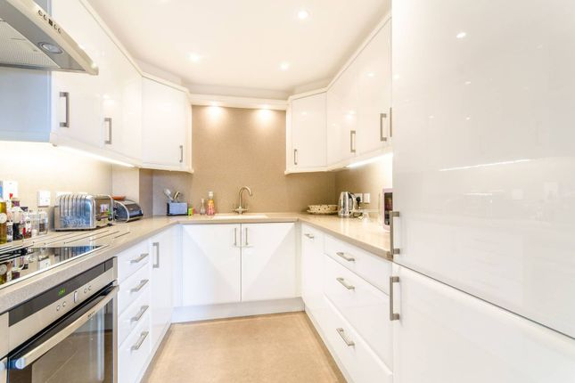 Thumbnail Flat to rent in Hill House Mews, Bromley