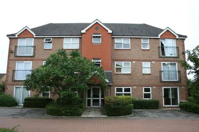 Flat to rent in Dudley Close, Chafford Hundred, Grays
