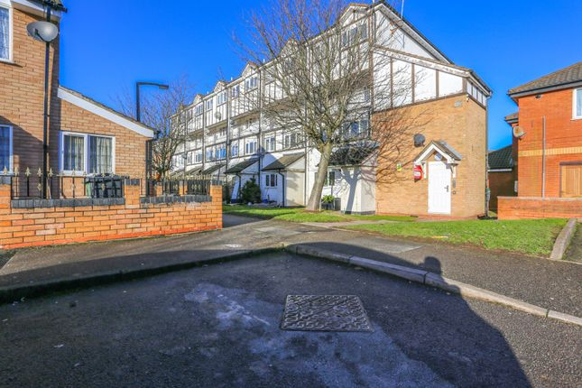 Thumbnail Flat for sale in Scribbans Close, Smethwick