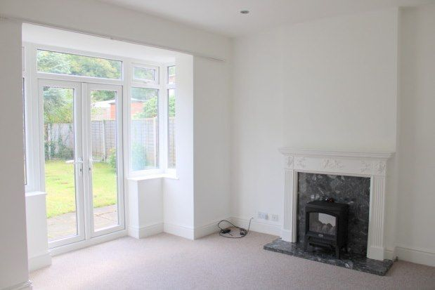 2 bed flat to rent in Westbourne Road, Wirral CH48