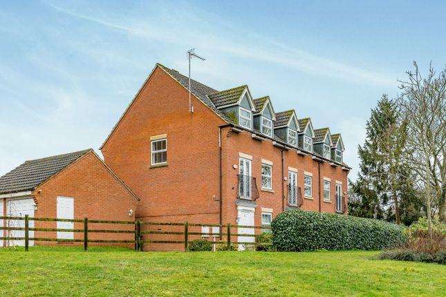 Thumbnail Property to rent in Treefields, Buckingham