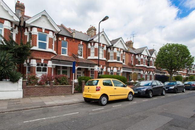 Thumbnail Maisonette to rent in Valetta Road, Acton