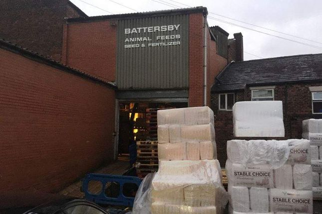 Thumbnail Commercial property for sale in York Street, Heywood