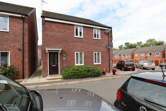 Thumbnail Flat for sale in Hetton Drive, Clay Cross, Chesterfield