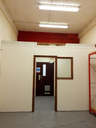 Light industrial to let in Wincolmlee, Hull