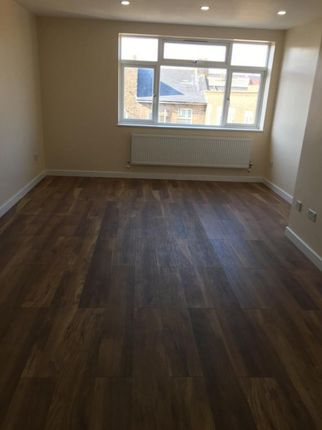 1 bed flat to rent in Clements Road, London IG1