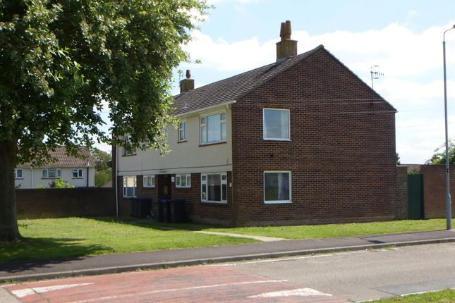Thumbnail Flat for sale in Fotherby Crescent, Salisbury