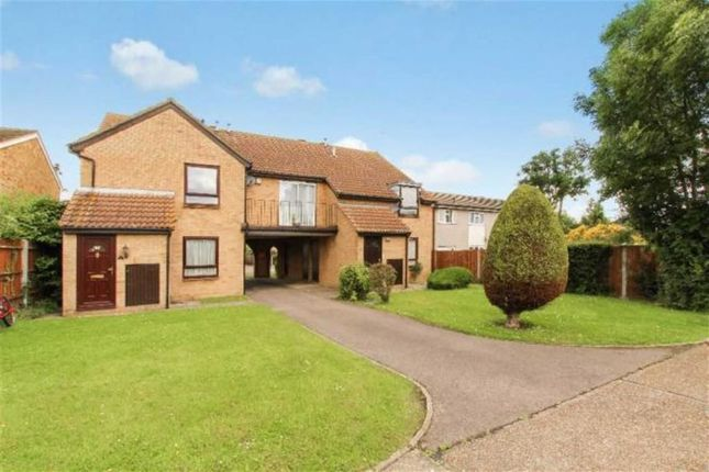 Thumbnail Flat to rent in Moreland House, Wickford, Essex