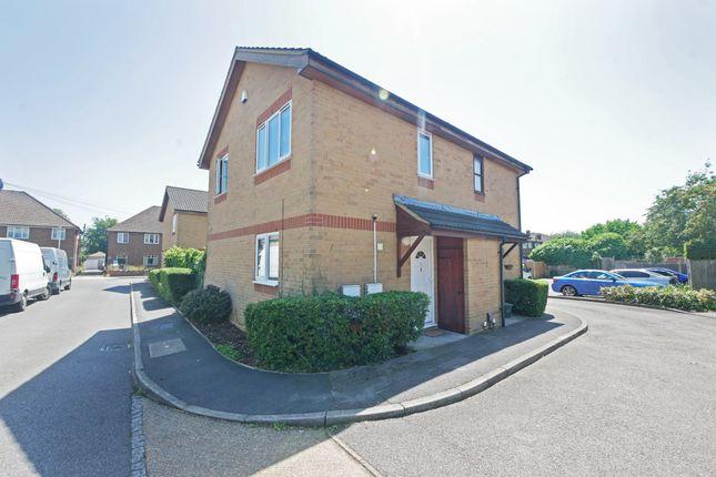 2 bed semi-detached house to rent in Alpha Road, Hillingdon, Uxbridge UB10