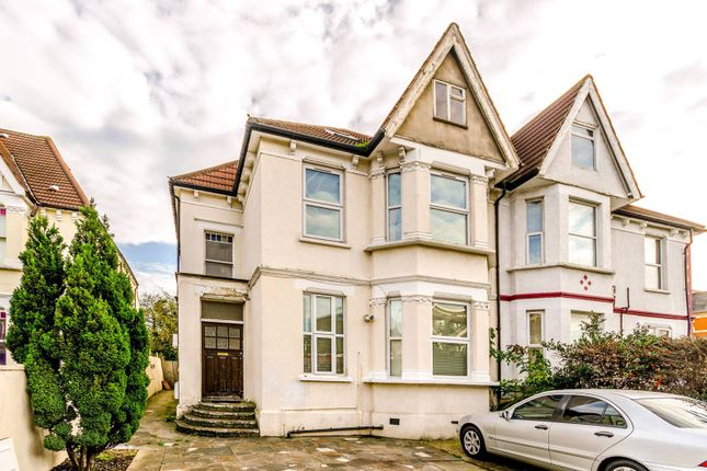 Thumbnail Flat to rent in High Road, Wood Green