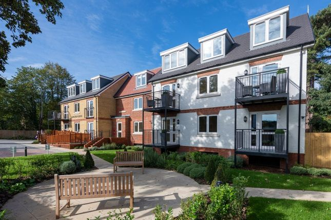 Thumbnail Flat for sale in Thorpe Road, Staines-Upon-Thames, Surrey