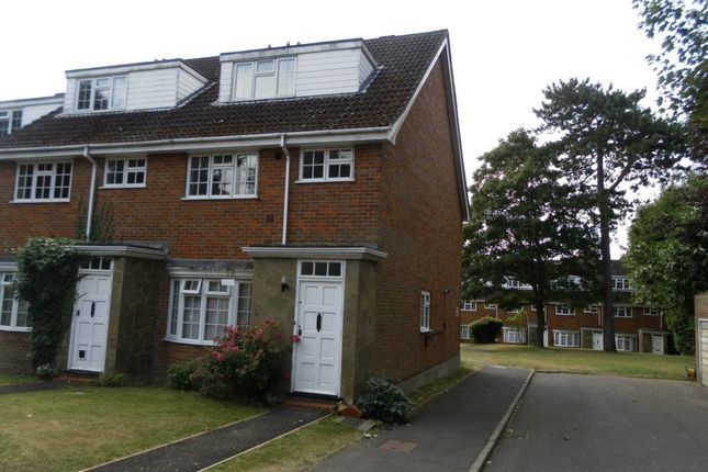 Thumbnail Property to rent in Fairlawns, Langley Road, Watford