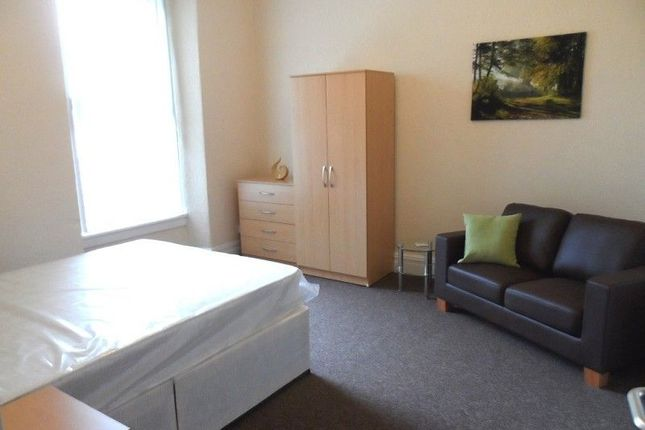 Thumbnail Shared accommodation to rent in Station Road, Llanelli, Carmarthenshire.