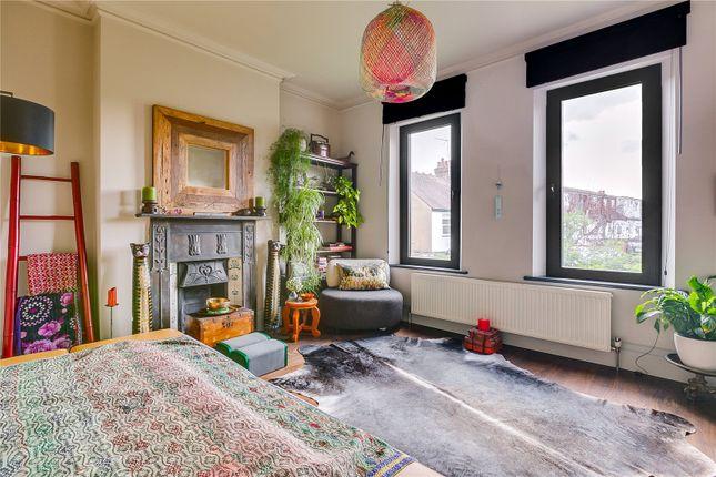 Bedroom of Byfeld Gardens, Barnes, London SW13