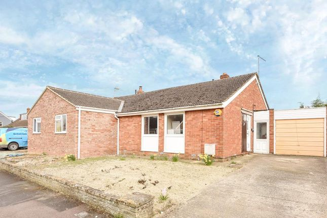 Thumbnail Detached bungalow to rent in Minster Lovell, Witney