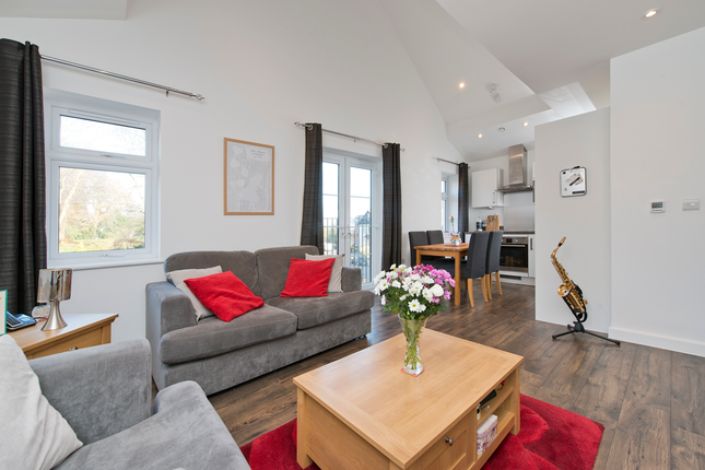 Thumbnail Flat for sale in Shooters Hill, Woolwich