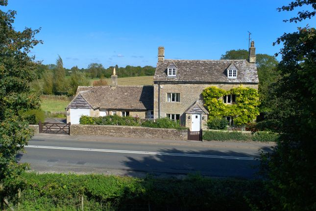 Thumbnail Cottage for sale in London Road, Poulton, Cirencester