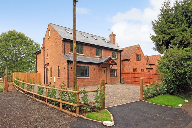 Thumbnail Detached house for sale in Watery Lane, Astrope, Tring
