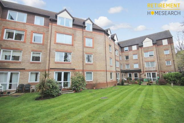 Thumbnail Flat for sale in Forest Dene Court, Sutton