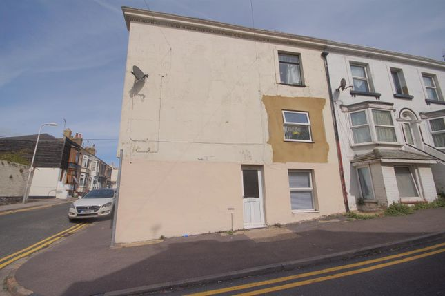 2 bed maisonette to rent in Bath Road, Margate