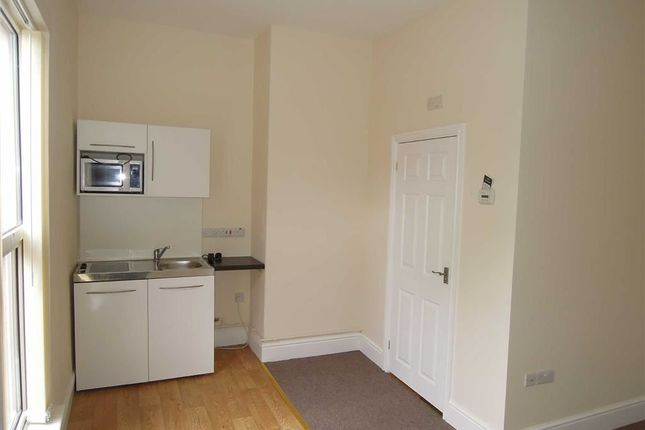 Thumbnail Flat to rent in Flatlet 3 Ty Y Bobl, New Road, New Road, Newtown, Powys