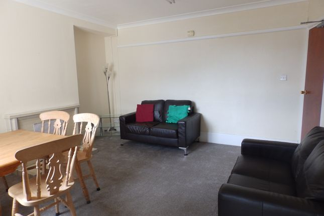 Thumbnail Shared accommodation to rent in Dilwyn Road, Swansea