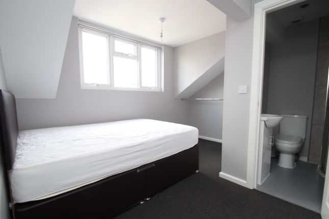 Thumbnail Terraced house to rent in Ashton Place, Leeds
