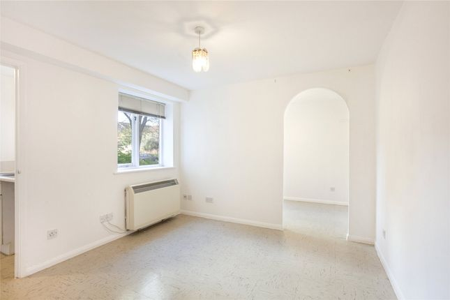1 bed flat for sale in Telegraph Place, London E14
