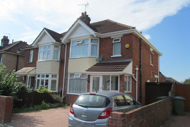 3 bed semi-detached house to rent in Prince Of Wales Avenue, Southampton SO15