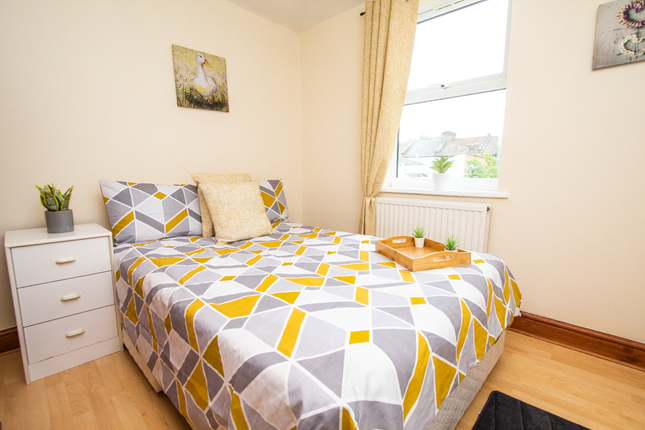 Thumbnail Room to rent in Newton Road, London, London
