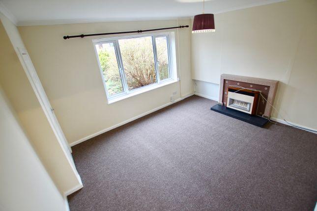 Lounge of Honiton Road, Nottingham NG8