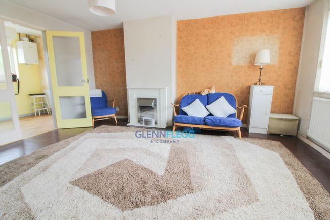 Living Room of Parlaunt Road, Langley, Slough SL3