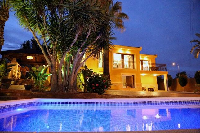 Thumbnail Villa for sale in Calle Alicante, 132, 03178 Benijófar, Alicante, Spain