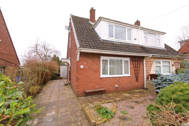 Thumbnail Semi-detached house to rent in Lyne View, Hyde