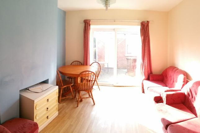 Thumbnail Property to rent in Kinburn Avenue, Manchester, Greater Manchester