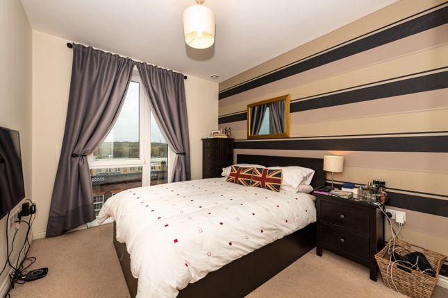 Thumbnail Flat to rent in Saxon House, London Road, Wallington