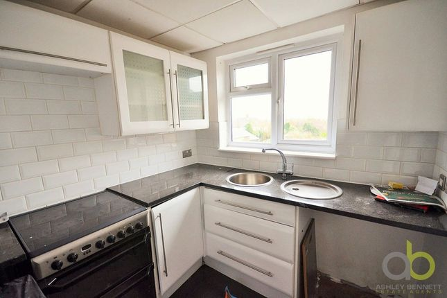 Maisonette to rent in River View, Chadwell St. Mary, Grays