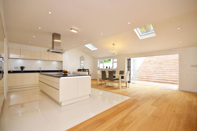 Thumbnail Detached house to rent in Harvey Road, Guildford