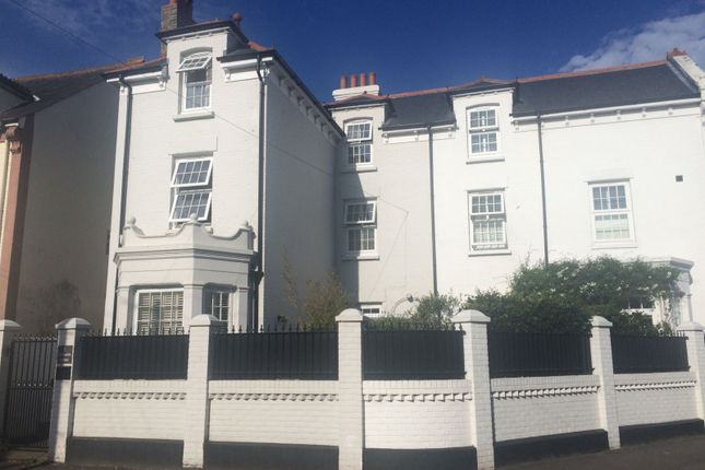 Thumbnail Semi-detached house to rent in Clydesdale Avenue, Chichester