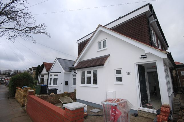 5 bed detached house to rent in Charterhouse Avenue, Wembley