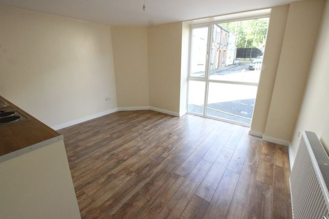 Thumbnail Flat to rent in 2 Bed Apartment, Hopkinstown, Pontypridd