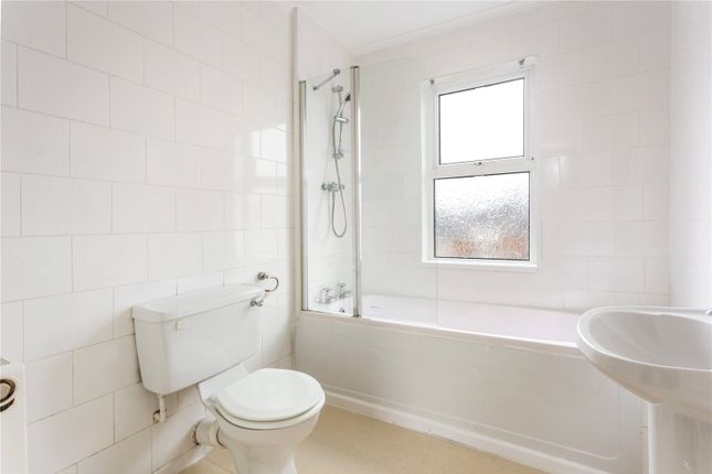Bathroom of Fairfield Parade, Cheltenham, Gloucestershire GL53
