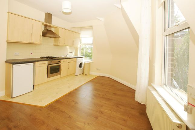 Thumbnail Flat to rent in Heath Road, Twickenham