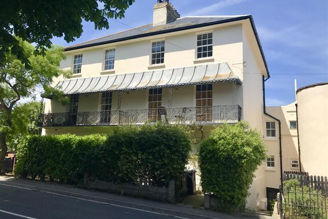2 bed flat to rent in Wyke Road, Weymouth DT4