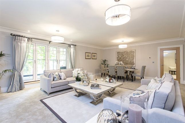 Thumbnail Flat for sale in Magpie Hall Road, Bushey, Hertfordshire